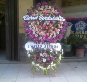 Bunga Standing Turut Berduka Cita Kel Besar I Wayan Jingga